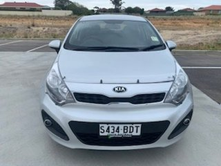 2014 Kia Rio UB MY14 S Silver 6 Speed Manual Hatchback.