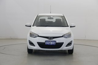 2015 Hyundai i20 PB MY15 Active Polar White 6 Speed Manual Hatchback.
