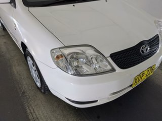 2001 Toyota Corolla ZZE122R Ascent White 5 Speed Manual Hatchback.