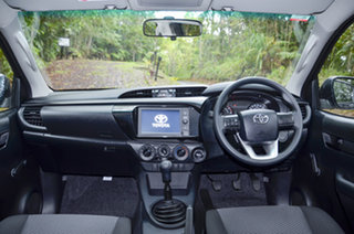 Toyota Hilux Standard Dark Blue Mica Manual.