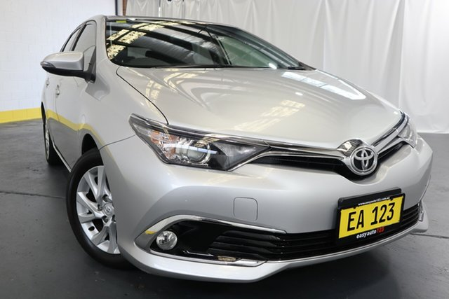 Used Toyota Corolla ZRE182R Ascent Sport S-CVT Castle Hill, 2017 Toyota Corolla ZRE182R Ascent Sport S-CVT Silver 7 Speed Constant Variable Hatchback