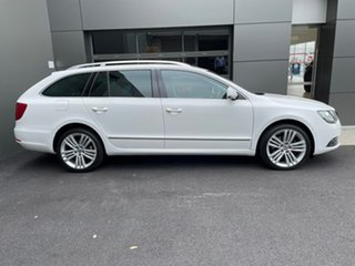 2014 Skoda Superb 3T MY14 Elegance DSG 125TDI White 6 Speed Sports Automatic Dual Clutch Wagon.