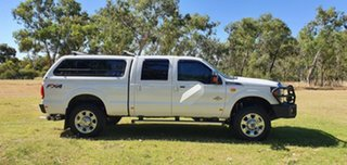2015 Ford F350 (No Series) Lariat White Automatic Utility.