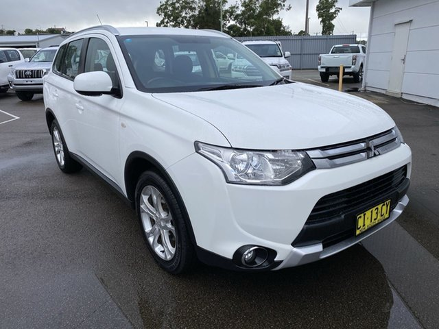 Pre-Owned Mitsubishi Outlander ZJ MY14.5 ES 4WD Cardiff, 2014 Mitsubishi Outlander ZJ MY14.5 ES 4WD White 6 Speed Constant Variable Wagon