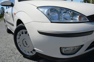 2002 Ford Focus LR MY2003 CL White 5 Speed Manual Hatchback