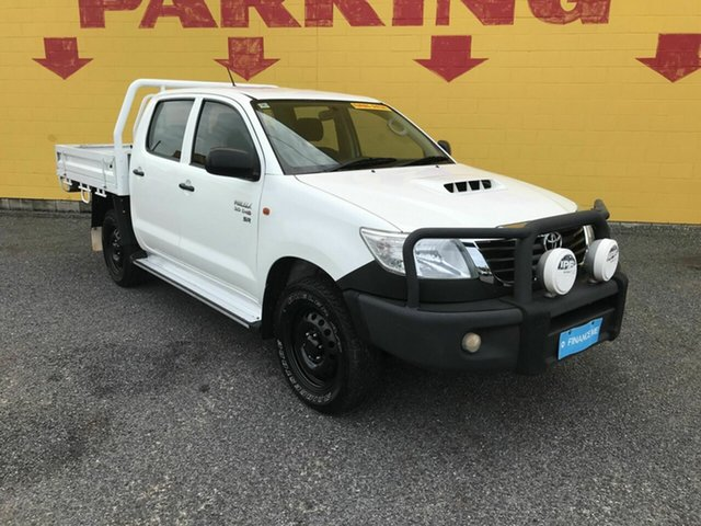 Used Toyota Hilux KUN26R MY14 SR Double Cab Winnellie, 2014 Toyota Hilux KUN26R MY14 SR Double Cab White 5 Speed Manual Cab Chassis