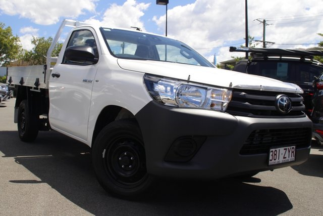 Used Toyota Hilux TGN121R Workmate 4x2 Mount Gravatt, 2020 Toyota Hilux TGN121R Workmate 4x2 White 6 Speed Sports Automatic Cab Chassis
