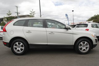 2011 Volvo XC60 DZ MY11 T5 PwrShift White 6 Speed Sports Automatic Dual Clutch Wagon.