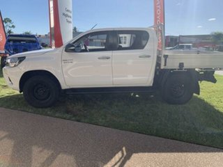 2015 Toyota Hilux KUN26R MY14 SR (4x4) 5 Speed Manual Dual Cab Chassis.