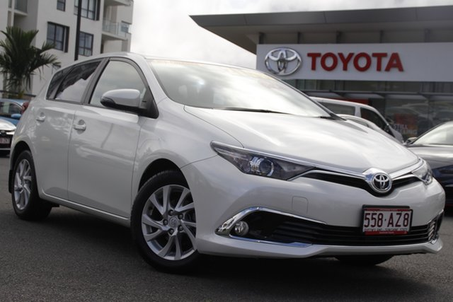 Pre-Owned Toyota Corolla ZRE182R Ascent Sport Upper Mount Gravatt, 2017 Toyota Corolla ZRE182R Ascent Sport White 6 Speed Manual Hatchback