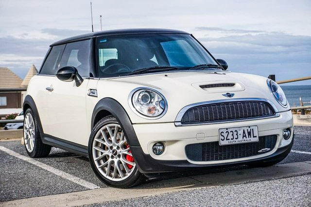 Used Mini Hatch R56 John Cooper Works Christies Beach, 2009 Mini Hatch R56 John Cooper Works White 6 Speed Manual Hatchback