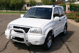 2001 Suzuki Grand Vitara (4x4) White 4 Speed Automatic Wagon