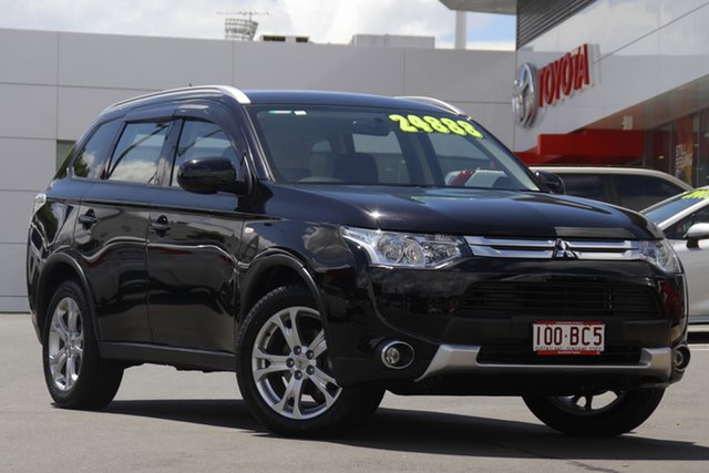 Pre-Owned Mitsubishi Outlander ZJ MY14.5 ES 4WD Woolloongabba, 2014 Mitsubishi Outlander ZJ MY14.5 ES 4WD Black 6 Speed Constant Variable Wagon