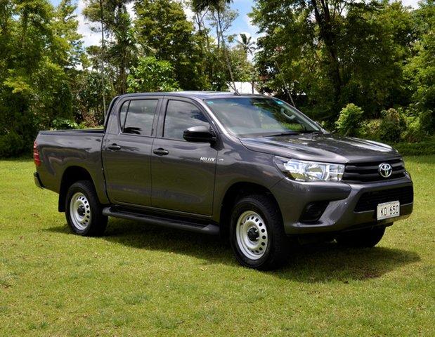 Demo Toyota Hilux Standard , Toyota Hilux Standard Grey Metallic Manual