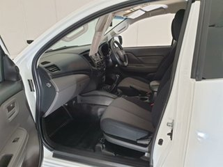 2016 Mitsubishi Triton MQ MY17 GLX Club Cab White 6 Speed Manual Cab Chassis