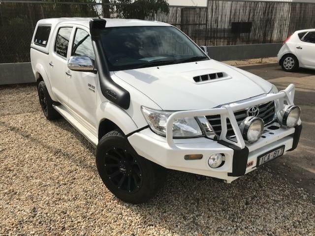 Used Toyota Hilux KUN26R MY14 SR5 (4x4) Wangaratta, 2014 Toyota Hilux KUN26R MY14 SR5 (4x4) Glacier White 5 Speed Automatic Dual Cab Pick-up