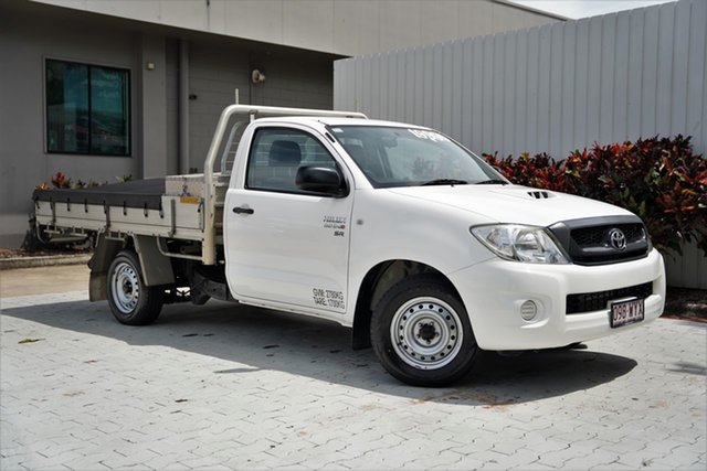 Used Toyota Hilux KUN16R MY10 SR 4x2 Cairns, 2011 Toyota Hilux KUN16R MY10 SR 4x2 White 5 Speed Manual Cab Chassis