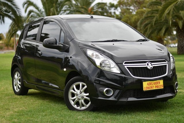 Used Holden Barina TM MY14 CD Cheltenham, 2014 Holden Barina TM MY14 CD Black 5 Speed Manual Hatchback