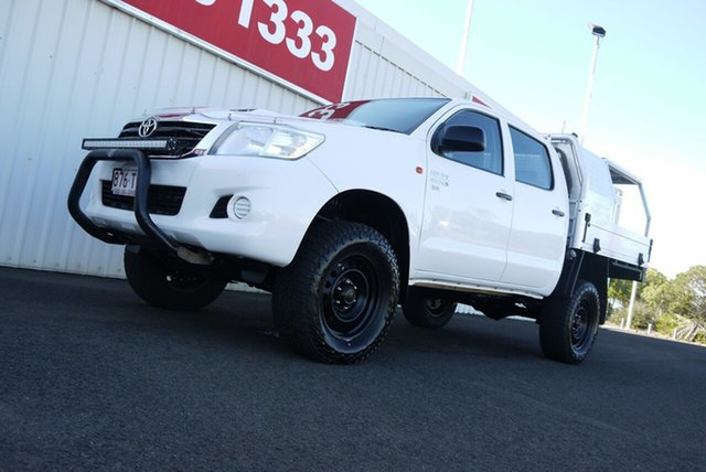 Used Toyota Hilux KUN26R MY14 SR Double Cab Bundaberg, 2014 Toyota Hilux KUN26R MY14 SR Double Cab White 5 Speed Manual Cab Chassis