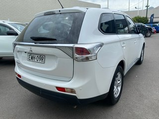 2012 Mitsubishi Outlander ZJ MY13 ES 2WD White 6 Speed Constant Variable Wagon