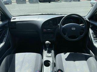 2005 Hyundai Elantra XD 2.0 HVT White 4 Speed Automatic Sedan