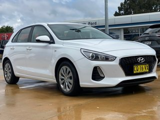 Hyundai i30 Go White Sports Automatic Hatchback.