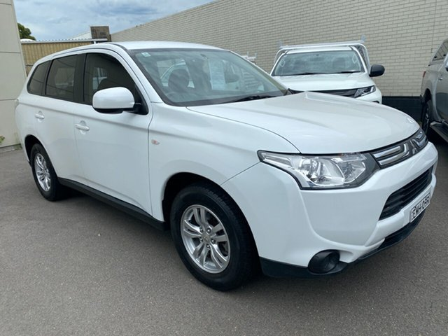 Used Mitsubishi Outlander ZJ MY13 ES 2WD Cardiff, 2012 Mitsubishi Outlander ZJ MY13 ES 2WD White 6 Speed Constant Variable Wagon
