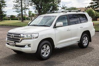 2017 Toyota Landcruiser VDJ200R Altitude White 6 Speed Sports Automatic Wagon.