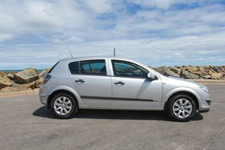 2007 Holden Astra AH MY07 CD Silver 4 Speed Automatic Hatchback.