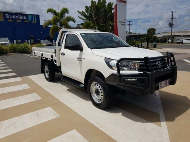 Pre-Owned Toyota Hilux Gladstone, 2018 Toyota Hilux Glacier White Automatic Cab Chassis