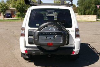 2010 Mitsubishi Pajero NT MY11 GLX LWB (4x4) White 5 Speed Auto Sports Mode Wagon.