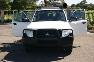2010 Mitsubishi Pajero NT MY11 GLX LWB (4x4) White 5 Speed Auto Sports Mode Wagon