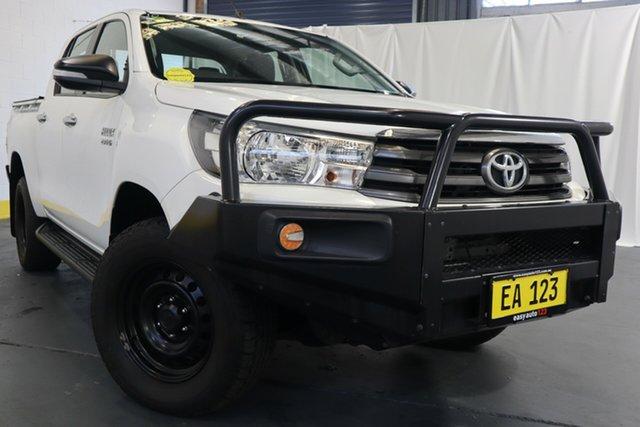 Used Toyota Hilux GUN126R SR (4x4) Castle Hill, 2017 Toyota Hilux GUN126R SR (4x4) White 6 Speed Automatic Dual Cab Utility