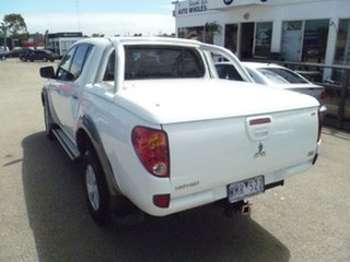 2008 Mitsubishi Triton ML MY09 VR Double Cab White 4 Speed Automatic Utility