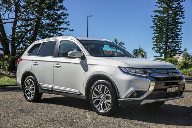 Used Mitsubishi Outlander ZK MY16 LS 2WD Port Macquarie, 2016 Mitsubishi Outlander ZK MY16 LS 2WD White 6 Speed Constant Variable Wagon