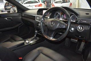 2010 Mercedes-Benz E250 212 CGI Avantgarde White 5 Speed Automatic Sedan.