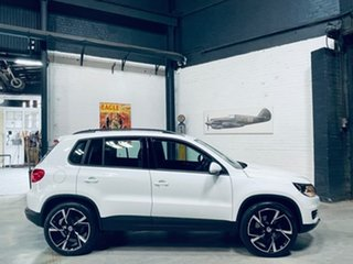 2015 Volkswagen Tiguan 5N MY16 118TSI DSG 2WD White 6 Speed Sports Automatic Dual Clutch Wagon.