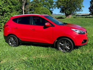 2015 Hyundai ix35 LM Series II SE (FWD) Red 6 Speed Automatic Wagon.