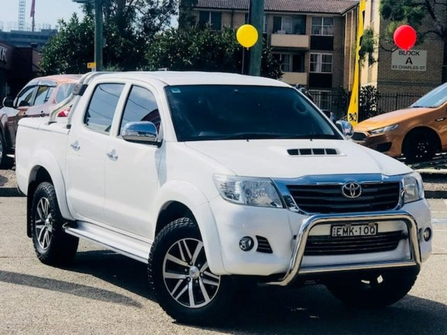 Used Toyota Hilux KUN26R MY14 SR Double Cab Liverpool, 2014 Toyota Hilux KUN26R MY14 SR Double Cab White 5 Speed Automatic Utility