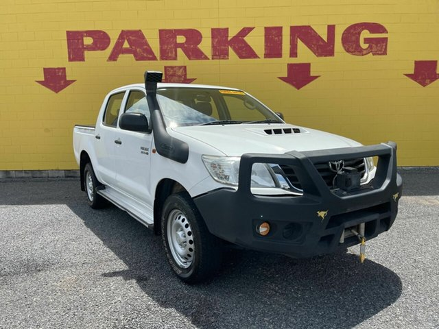 Used Toyota Hilux KUN26R MY14 SR Double Cab Winnellie, 2015 Toyota Hilux KUN26R MY14 SR Double Cab White 5 Speed Automatic Cab Chassis