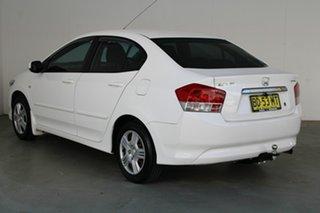 2009 Honda City GM MY09 VTi White 5 Speed Automatic Sedan.