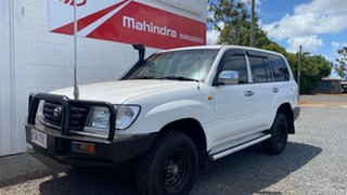 2004 Toyota Landcruiser HZJ105 4x4 White 5 Speed Manual Wagon.