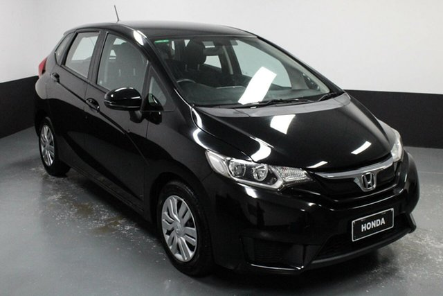 Used Honda Jazz GF MY15 VTi Hamilton, 2014 Honda Jazz GF MY15 VTi Crystal Black 5 Speed Manual Hatchback