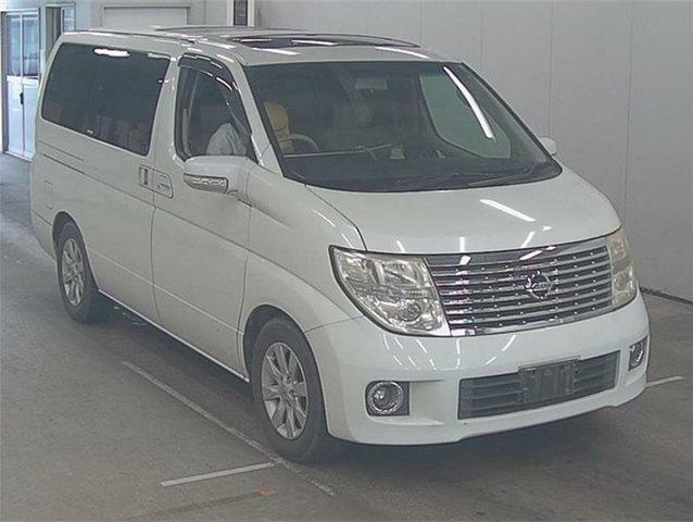 Used Nissan Elgrand E51 XL Silverwater, 2004 Nissan Elgrand E51 XL White Automatic Wagon