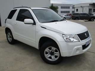 2012 Suzuki Grand Vitara JB MY09 White 5 Speed Manual Hardtop.