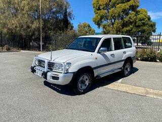 2005 Toyota Landcruiser HDJ100R GXL White 5 Speed Automatic Wagon.