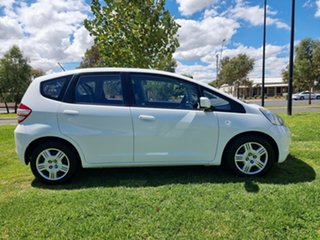 2010 Honda Jazz GE MY10 GLi White 5 Speed Automatic Hatchback.