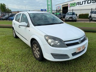 2005 Holden Astra AH MY05 CD White 4 Speed Automatic Hatchback.