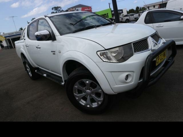Used Mitsubishi Triton ML MY09 GLX-R (4x4) Kingswood, 2009 Mitsubishi Triton ML MY09 GLX-R (4x4) White 4 Speed Automatic 4x4 Double Cab Utility