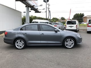 2015 Volkswagen Jetta 1KM MY16 118 TSI Highline Grey 7 Speed Auto Direct Shift Sedan.